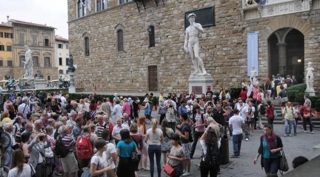 Turismo: – 70% di stranieri a Firenze e solo il 40% degli alberghi aperti ad agosto