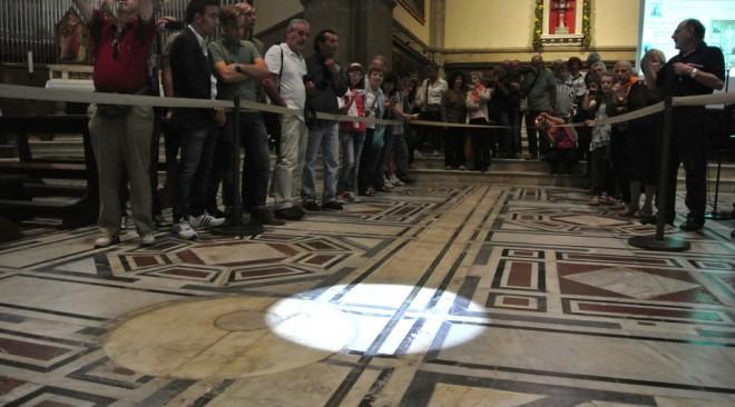 21-27-28 giugno: solstizio d'estate con lo gnomone in Duomo