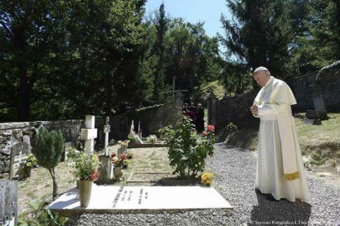 Papa Francesco a Barbiana da don Lorenzo Milani