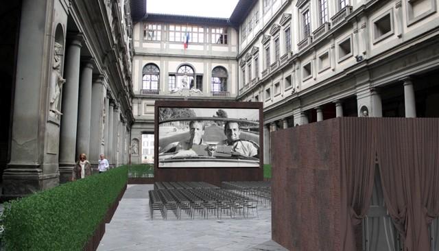"""""""Apriti cinema"""": fino a luglio un Cinema nel Piazzale degli Uffizi"""