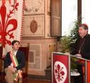 Il Cardinale Betori consegna messaggio Papa per la Pace a Palazzo Vecchio