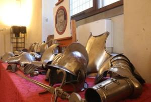 Armature recuperate carabinieri calcio storico (2)
