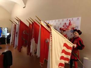 Bandiere Calcio Storico corteo