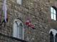 Il volo di Babbo Natale in Piazza della Signoria dalla Torre di Arnolfo