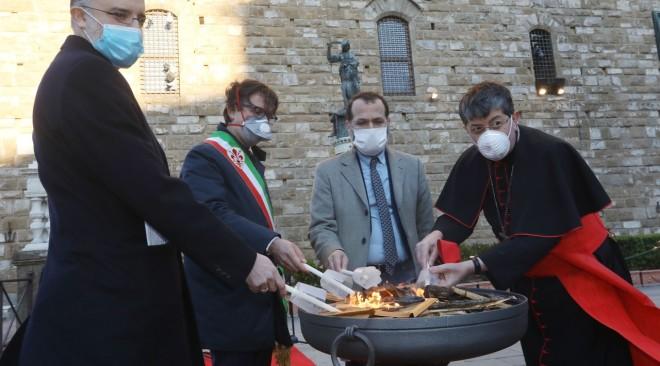 In Piazza della Signoria Cardinale, Imam, Rabbino hanno pregato per la fine del Coronavirus