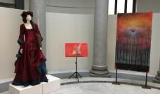 Dante nelle opere di Corrado Veneziano e i vestiti di Regina Schrecker in mostra alla Biblioteca Nazionale